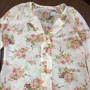 NWOT Degree Floral Top